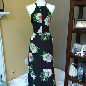 Stunning floral Maxi dress with sexy back - New